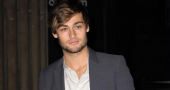 Douglas Booth talks about the Romeo and Juliet costumes