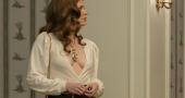 Amy Adams cleavage kept in check by daughter