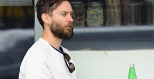 Tobey Maguire, Ben Affleck and Laura Prepon enjoy celebrity poker events